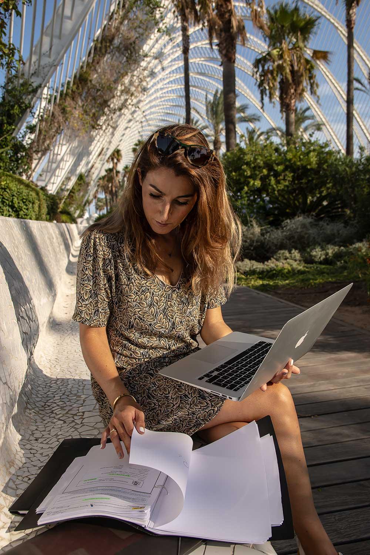Hulp Financiele Administratie Digital Nomads I Anjo Bots van Digitax Nomad